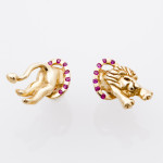 LION pierced earrings gold