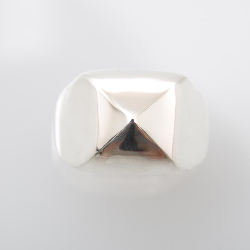 Marron Stud ring