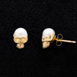 LITTLE PEARL SKULL pierced earrings