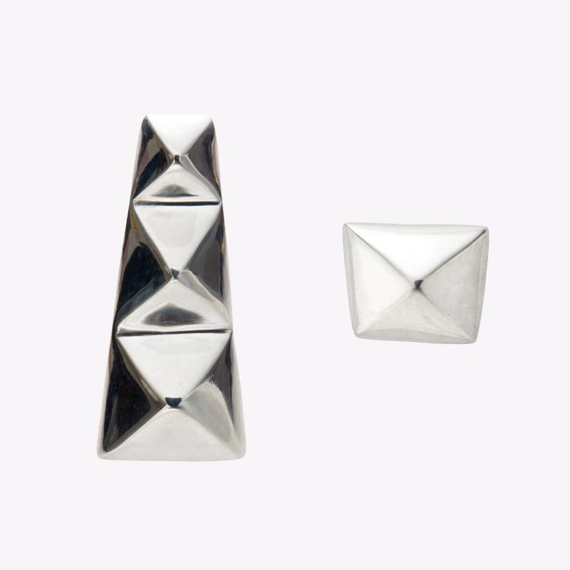 TAPER STUDS pierced earrings